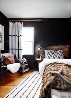 The hunted interior: live edge inspired headboard tutorial black wall decor, white rug, Modern Rustic Bedrooms, Rustic Master Bedroom, Modern Decor, Bedroom Black, White Bedrooms, Trendy Bedroom, Black Rooms, Dark Cozy Bedroom, Masculine Master Bedroom