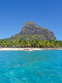 Paradis Hotel & Golf Club is adjacent to Dinarobin Hotel Golf & Spa, a next-door neighboring Beachcomber hotel of the same category. Mauritius Hotels, Next Door, Luxury Hotels, Travel Style, Golf Clubs, Backdrops, Paradise, Relax, Mountain