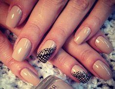 Essa tonalidade é linda e discreta!!! Conheça as opções disponíveis em nossa loja, clique aqui: www.lojadeesmaltes.com.br