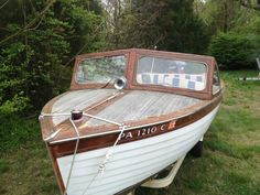 1956 Penn Yan Lapstrake with newer 50 hp Mercury. Penn Yan Boat, Tennis Grips, Boat Restoration, Classic Wooden Boats, Vintage Boats, Wood Boats, Rubber Flooring, Power Boats, Mercury