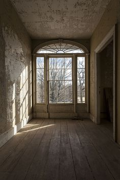 Abandoned house, NY by stephenbley Abandoned Film, Abandoned Houses, Abandoned Places, Federal Architecture, Architecture Details, Mobile Home Doors, Flowers In The Attic, Architectural Antiques, Beautiful Interiors