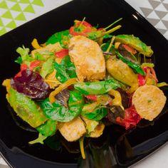 Cea mai bună salată cu piept de pui din lume – merită pregătită nu doar de sărbători! - savuros.info Paella, Food And Drink, Ethnic Recipes