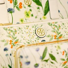 Bags in bloom: A botanical pattern that pairs back to our ready-to-wear collection #toryspring14 #nyfw