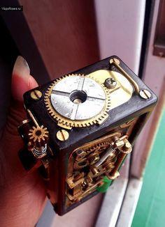 Borobudur mechanical box mod - стимпанк говорите? / Отзывы, обзоры, сравнение / VapeNews - электронные сигареты обзоры новинок новости