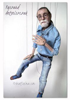 Marionette of a filmmaker and artist, richard Antonius. Lalka artystyczna, lalka portretowa,  filmowca i artysty Antoniszczaka.