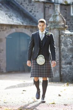 Take advantage of our free kilt fitting service at our Shoreditch pop-up. Book in advance to avoid disappointment!