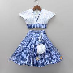 Kids Indian Wear, Kids Ethnic Wear, Kids Frocks Design, Baby Frocks Designs, Baby Dress Design, Frock Design, Baby Girl Dress Patterns, Dresses Kids Girl, Kids Dress Collection