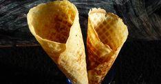 Tegnap a lidl-ben elcsábultam egy ostyakészítőgépre:))) Este gyorsan ki is próbáltam, de csak azzal a céllal, hogy működik-e. A gép tökélete... Lidl, Tacos, Ice Cream, Mexican, Ethnic Recipes, Food, No Churn Ice Cream, Icecream Craft, Essen