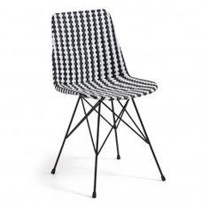 Atalaia stoel - Kunststof rotan zwart/wit - Laforma-Kave Steel de show met deze trendy kunststof rotan stoel! Ruimtelijke en lichtgewicht stoel met een bijzonder hoog zitcomfort!