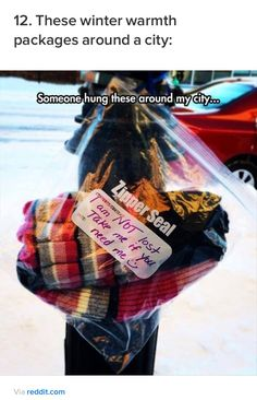 12 Pictures of Faith in Humanity Restored – humorside 12 Pictu – Winterbilder Human Kindness, Kindness Matters, Acts Of Kindness, We Are The World, In This World, Homeless Care Package, Homeless Bags, Blessing Bags, Faith In Humanity Restored