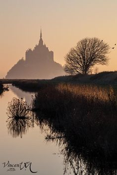 Mont Saint Michel - an amazing place in northern France. Mont Saint Michel France, Le Mont St Michel, Great Places, Places To See, Beautiful World, Beautiful Places, Travel Around The World, Around The Worlds, Normandy France