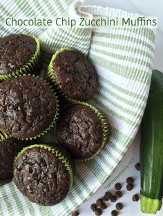 Chocolate Chip Zucchini Muffins- www.togetherasfam… Chocolate Chip Zucchini Muffins- www. Köstliche Desserts, Delicious Desserts, Dessert Recipes, Yummy Food, Zucchini Chocolate Chip Muffins, Chocolate Muffins, Chocolate Chips, Zucchini Brownies, Zucchini Zoodles