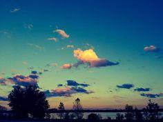 Reposting @ltsoul1: A beautiful end to a beautiful day. #sunsets #evevening #end #beautiful #nightfall #sky. #skyline #clouds