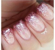 Nails, pink tip nails, gold nail, nails with glitter tips, aumbre nails Aumbre Nails, Pink Tip Nails, Glitter Tip Nails, Prom Nails, Gold Nails, Cute Nails, Acrylic Nails, Nail Pink, Pink Sparkly Nails