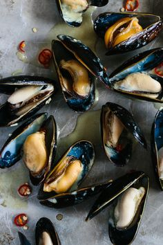 Coconut Thai Green Curry Mussels