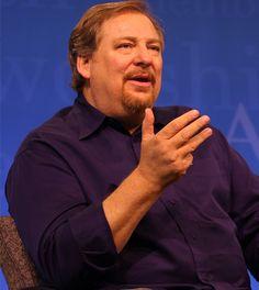 Rick Warren dice sentirse más animado porque su hijo ganó almas antes de suicidarse
