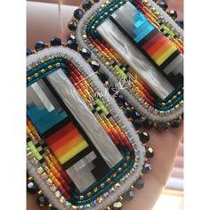 Beaded Earrings Native, Beaded Earrings Patterns, Native Beadwork, Native American Beadwork, Native American Jewelry, Bead Earrings, Beaded Jewelry, Bead Embroidery Tutorial, Beaded Embroidery