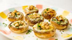 Recetas: Cómo preparar champiñones con roquefort Baked Potato, Food And Drink, Potatoes, Pasta, Baking, Ethnic Recipes, Food Ideas, Arrows, Gastronomia