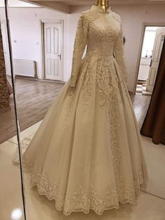 60 New Ideas For Bridal Drees Muslim Ball Gowns Wedding Reception Gowns, Muslim Wedding Gown, Muslimah Wedding Dress, Muslim Wedding Dresses, Muslim Dress, Prom Dresses, Royal Dresses, Nice Dresses, Mode Hijab