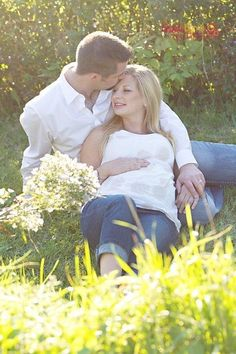 Maternity Picture Ideas with Husband | maternity photo on husbands lap | Photo Ideas