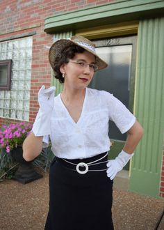Warm Weather White…Topped Off! Love Sewing, Cotton Blouses, White Tops, Vintage Sewing, Warm Weather, Dressing, Hat, House Styles, Fashion