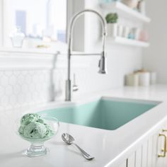 Elkay Sinks, Kitchen Family Rooms, Kitchen And Bath Design, Farmhouse Sink Kitchen, Room Setup, Home Renovation, Kitchen Renovations, Awesome Bedrooms, Home Kitchens
