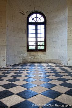 Château de Chenonceau Past Life Memories, Childhood Stories, Classic Fairy Tales, Empty Room, France, Throughout The World, Doorway, Storyboard, Alice In Wonderland