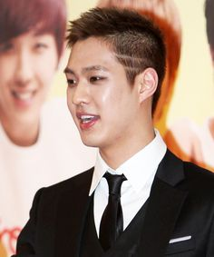 Ttwigo has picked eight quotes from MBLAQ's leader, Seungho, taken from his interviews and updates in SNS. Check it out below: