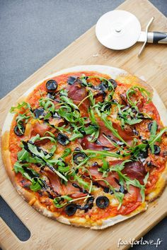 Pizza, Sans Gluten - Food for Love The pizzas. Do you know a lot of people who are not fans of it? It's family friendly. We meet around a good family pizza o Gluten Free Menu, Gluten Free Recipes For Dinner, Foods With Gluten, Gluten Free Cooking, Vegan Gluten Free, Dinner Recipes, Healthy Recipes, Atkins, Pizza Sin Gluten
