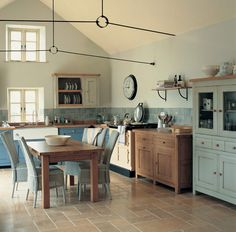 Very nice non fitted kitchen, good colours too