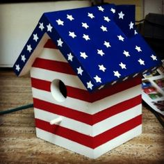 #birdhouse #americanflag #handpainted Painted Birdhouses, Birdhouse Craft, Birdhouse Ideas, Bird Houses Painted, Outdoor Projects, Diy Projects, Fall Canvas Painting, Bird House Plans, Random Pictures