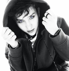 Bex Taylor-Klaus Bex Taylor Klaus, Audrey Jensen, Scream Tv Series, Mtv Scream, Emo Guys, Emo Outfits, Celebs, Celebrities, Woman Crush