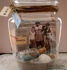 Salam alikoum,les filles j'ai trouver cette idées très sympa que je partage avec vous....  Souvenirs dans des bocaux... Il suffit de mettre une image dans un bocal en verre et ajouter des objets liés à ce...