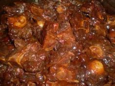 Simple Crockpot Oxtails - Whether you are a busy single parent or someone who loves to entertain but doesn't have a lot of - Oxtail Recipes Crockpot, Meat Recipes, Slow Cooker Recipes, Cooking Recipes, Recipies, Drink Recipes, Cajun Recipes, Cooking Videos, Slow Cooking