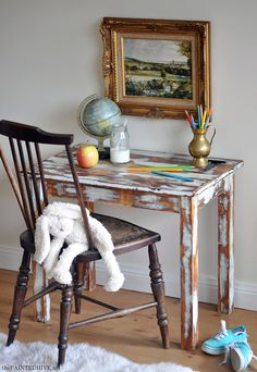 A DIY kid's table plus distressing tutorial | The Painted Hive ................... sweet spot for a landscape