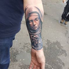 The Virgin Mary tattoos are ones of the Christian tattoos that are very popular and have been common for a long period of time. Tattoo Designs And Meanings, Tattoos With Meaning, Tattoo Designs Men, Design Tattoos, Leg Tattoos, Tattoos For Guys, Cool Tattoos, Mary Tattoo, I Tattoo