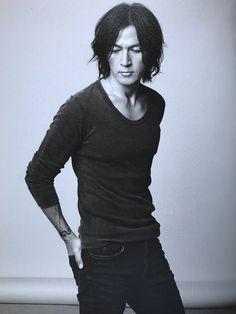 Elegant Man, Korean Actors, Men Sweater, Handsome, It's Raining, Japanese, Rock, Music, Fashion