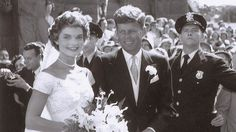 Never-before-seen wedding photos of JFK and Jackie Kennedy Caroline Kennedy, Jackie Kennedy Wedding, Jfk And Jackie Kennedy, Handmade Wedding, Rustic Wedding, Wedding Photos, Wedding Day, Rare Images, Rare Photos