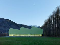 3-in-1 sports centre - parçay-meslay - savioz fabrizzi - 2012 - photo thomas jantscher