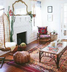 «Room Love @carlaypage ❤️✨ #inspiration #decor #home #Moroccan #livingroom #fireplace #rug #style»
