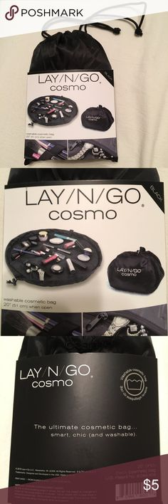 LAY/N/GO washable cosmetic bag NWT travel makeup bag LAY/N/GO Bags Travel Bags