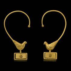 """""""Pigeons voyageurs"""" bronze earings by Line Vautrin"""