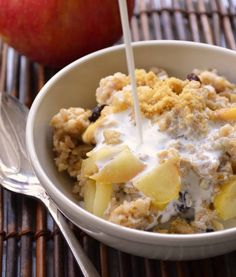 Apple Pie #Oatmeal .... OMG YES!! via @foodformyfamily