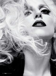 Blog in Kuwait. Italian style and fashion. Lady Gaga and Giorgio Armani together for Monster Ball Tour in December