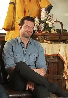 Richard  Armitage gets called a 'hot dwarf' and becomes Bashful instead. He has come such a long way, but this side is still there.
