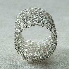 images of wire crochet jewelry | de Cor's Handmade Jewelry: YooLaRing, Crocheted Wire Jewelry Tutorial