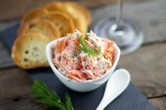 Smoked Salmon Dip is the perfect appetizer for any party! Delicious smoked salmon is mixed with a little cream cheese, creme fraiche (or Greek yogurt), and a few herbs and spices. This dip focuses more on the salmon than the cream base. Traeger Smoked Salmon, Best Smoked Salmon, Smoked Salmon Chowder, Smoked Salmon Appetizer, Smoked Salmon Recipes, The Cream, Salmon Dip Cream Cheese, Yummy Appetizers, Appetizer Recipes