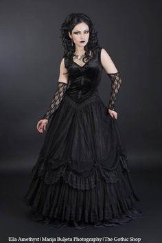 Ella Amethyst - Marija Buljeta #Gothic #Goth #Gothicveil #Gothicdress #Sinister