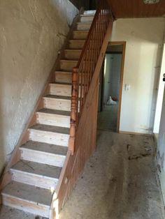Treppe zum Selbstabbau aus alten Bauernsacherl, Zustand siehe Bilder. Die Treppe kann selbst abgebaut werden. (bitte um Preisvorschläge)