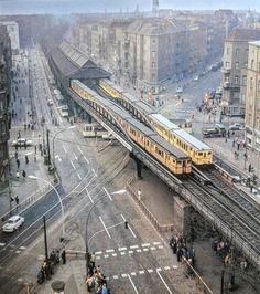 U-Bahnhof Berlin Dimitroffstraße (heute U Eberswalder Str.) ~1980 : DDR Berlin Photos, Berlin City, Berlin Wall, East Germany, Berlin Germany, Paris Hotels, Berlin Hauptstadt, Berlin Spandau, Berlin